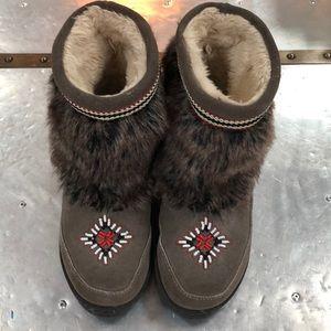Minnetonka Moccasin Winter Boots